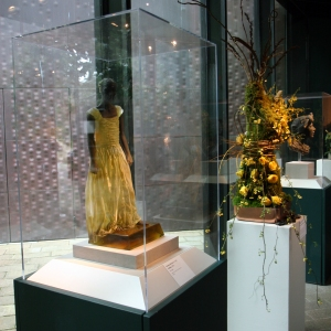 Nicolas Africano, Untitled - sculpture & floral arrangement